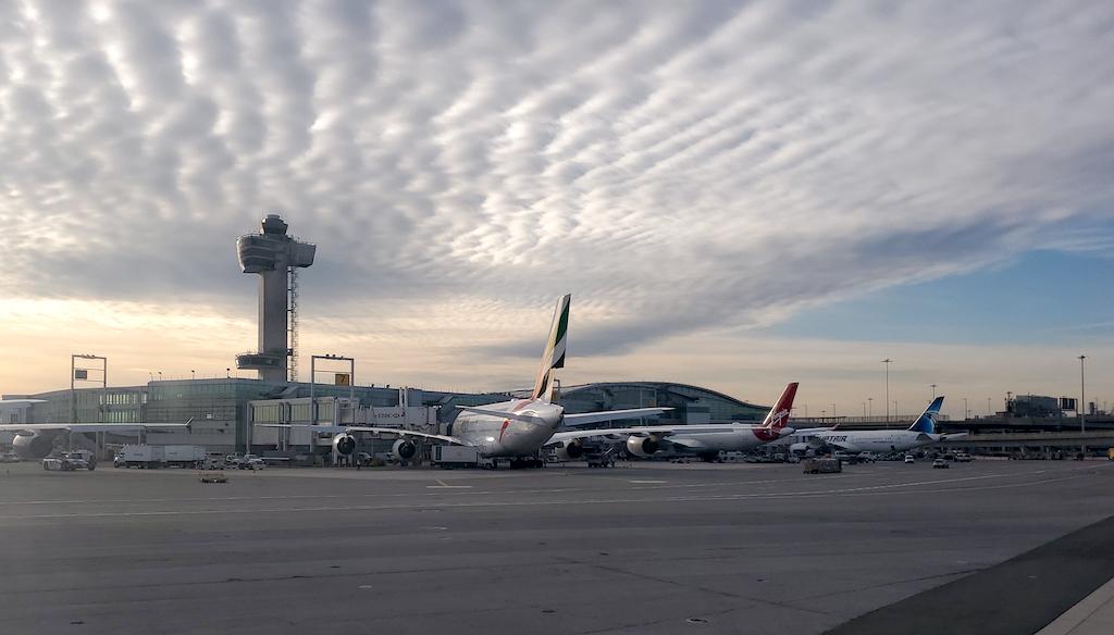 Airplanes in JFK Airport